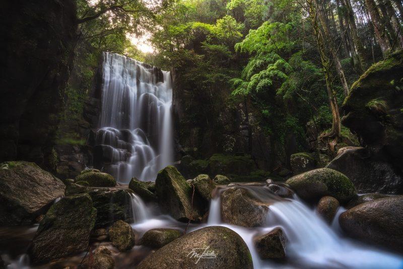Kuwanoki Waterfall